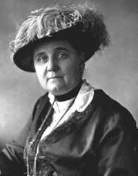 Jane Addams in a hat