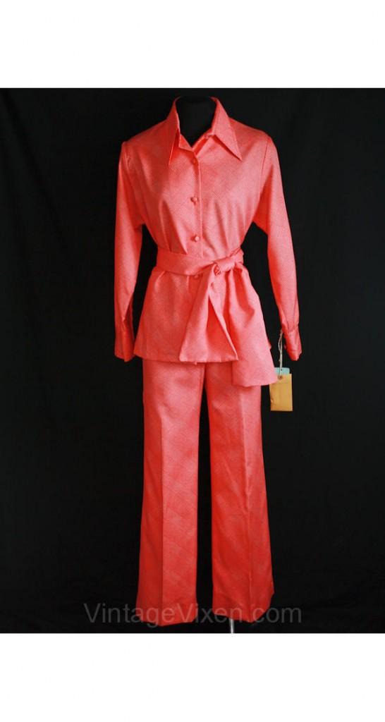 70s leisure suit, pic courtesy of Vintage Vixen.