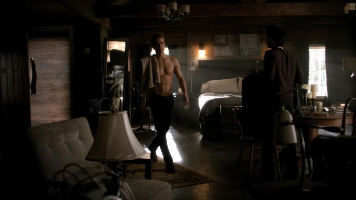 Vampire diaries bedroom - Vampire Diaries Bedroom Decor The Hippest Pics