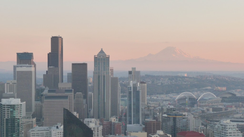 A brighter version of the same photo of Seattle.