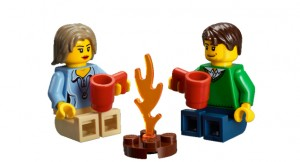 Male and female figurines from Lego Caravan set