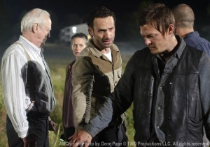 the-walking-dead-2x11-hershel-carol-rick-daryl-promo-09