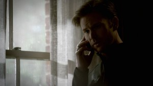 Alaric talks to Damon on the phone