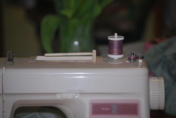 sewing machine won t catch bobbin thread