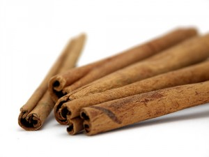close-up of 5 brown cinnamon sticks