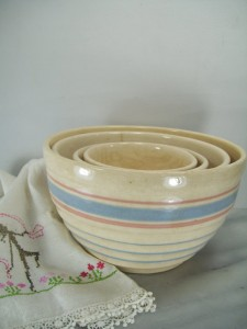 Close-up of Old 4-Piece Hull Blue Band Mixing Bowls (E Series)