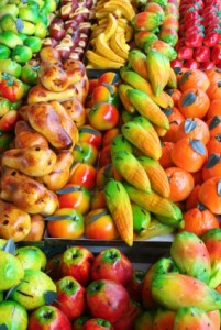 Marzipan candy shaped like various fruits.