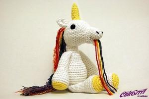 crochet unicorn vomiting a rainbow