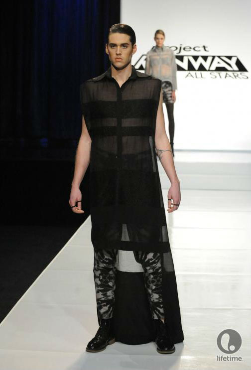 Project Runway All Stars 2x05 contestant Anthony Ryan's avant-garde androgynous outfit on his male model.