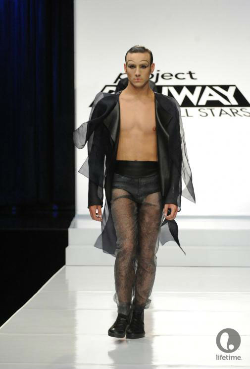 Project Runway All Stars 2x05 contestant Ivy's avant-garde androgynous outfit on her male model.