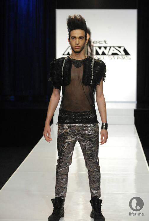 Project Runway All Stars 2x05 contestant Uli's avant-garde androgynous outfit on her female model.