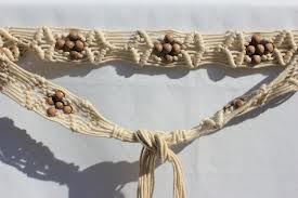 Macrame belt with wooden beads