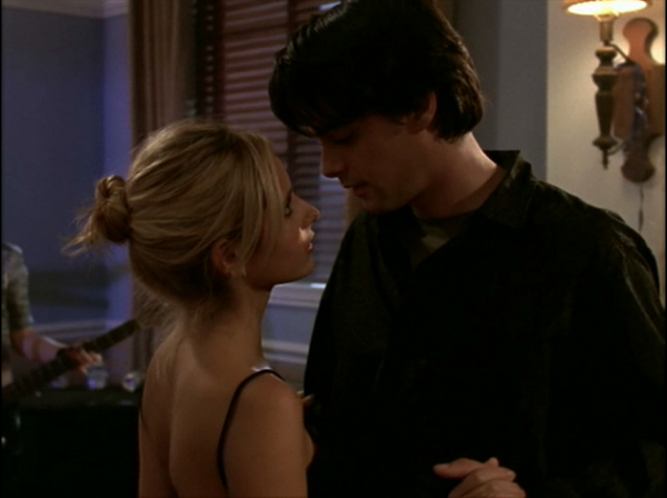 Parker and Buffy look into each other's eyes.