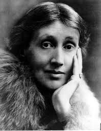 Virginia Woolf, resting her face on her hand