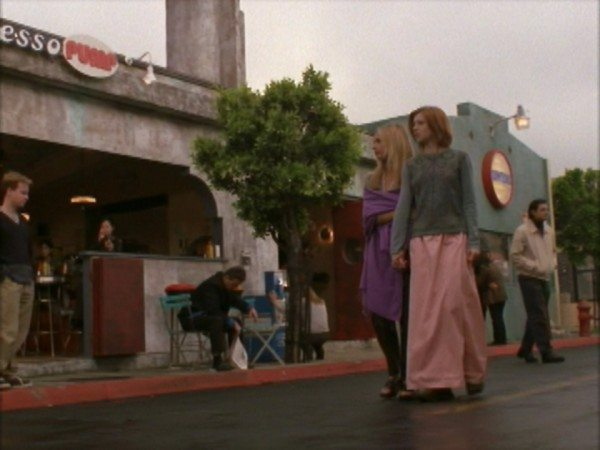 Buffy and Willow walk down the street