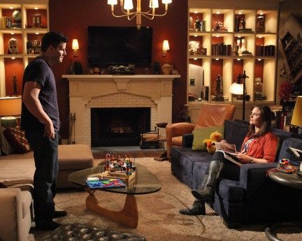 Still from the tv show bones the characters of booth and brennan