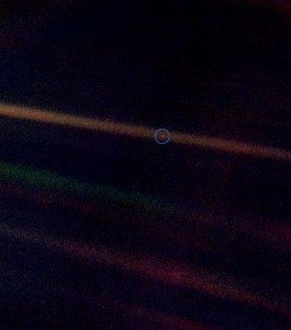 Pale Blue Dot picture of Earth