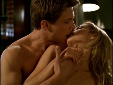Buffy and Riley kiss (while nude)