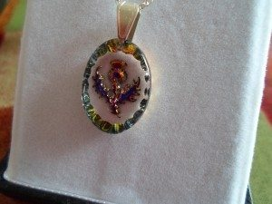 Scottish crystal necklace with a thistle design
