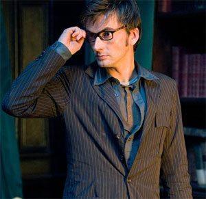 David Tennant wears glasses.