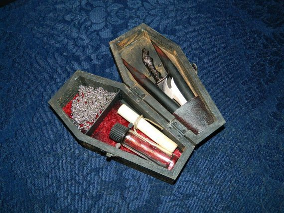 mini vampire killing kit