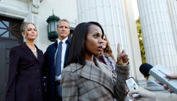 """Olivia Pope (Kerry Washington) gives a press conference in ABC's Scandal episode 3.03 """"Say Hello to My Little Friend"""""""