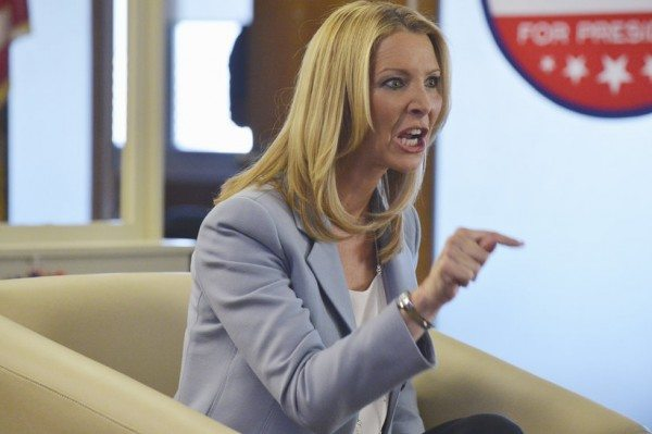 "Josie Marcus (Lisa Kudrow) angrily points in ABC's Scandal episode 4.06 ""Icarus."""