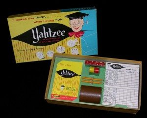 A picture of a Yahtzee set.