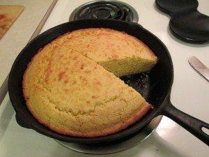 A picture of iron skillet cornbread