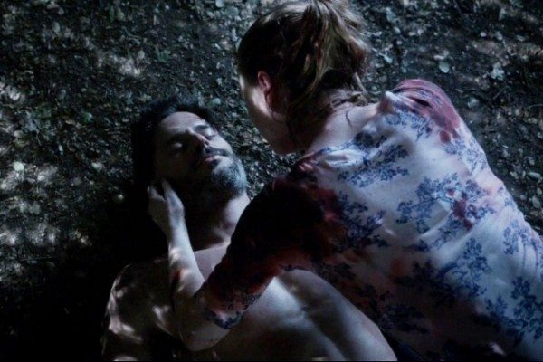 Sookie cries over Alcide's prone body.
